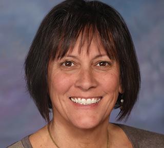 Julie Woods '96